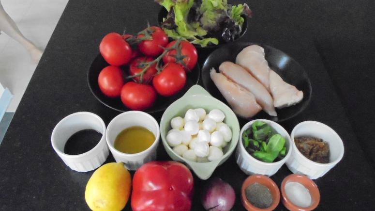 Brochette de poulet mariné à l'acienne et salade d'été (2)