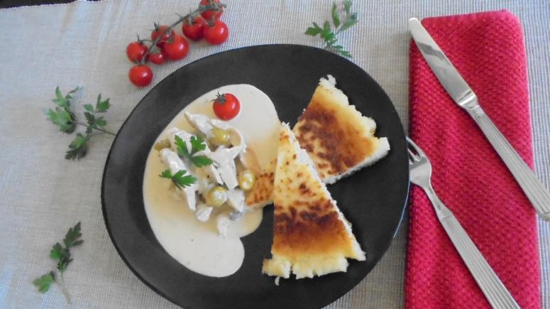 Aiguillette de poulet aux olives et gorgonzola, accompagné de semoule  (3)