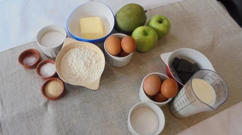 cake-mangue-pomme-granny-smith-et-creme-anglaise-au-chocolat-2