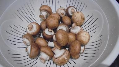 roule-de-merlan-au-lard-sur-fondu-de-poireau-aux-crevettes-14