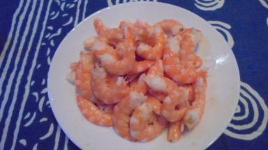 roule-de-merlan-au-lard-sur-fondu-de-poireau-aux-crevettes-9