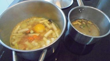 Crème d'asperges au lard et tuile de comté (12)