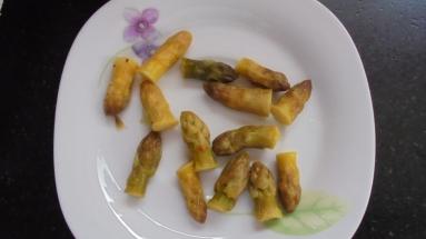 Crème d'asperges au lard et tuile de comté (17)