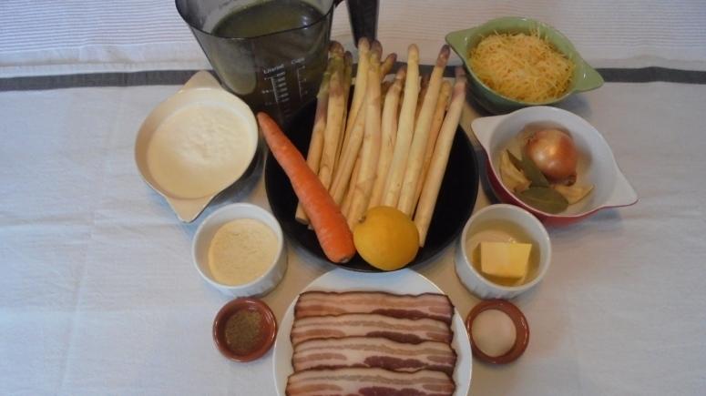 Crème d'asperges au lard et tuile de comté (2)