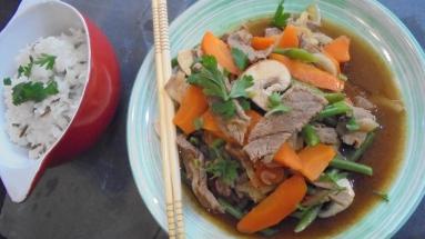 Sauté de boeuf aux légumes et à la sauce d'huitres (1)