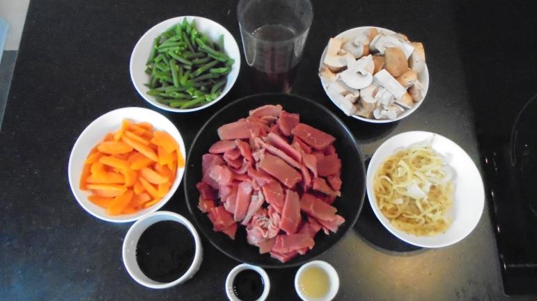 Sauté de boeuf aux légumes et à la sauce d'huitres (18)