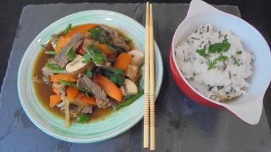 Sauté de boeuf aux légumes et à la sauce d'huitres (22)