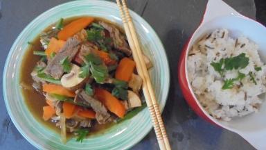 Sauté de boeuf aux légumes et à la sauce d'huitres (24)