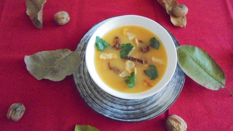 Soupe de butternut aux tomates séchées et à l'ail (22)