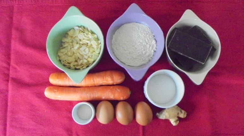 Moelleux au chocolat , carottes et amandes éfflées (26)